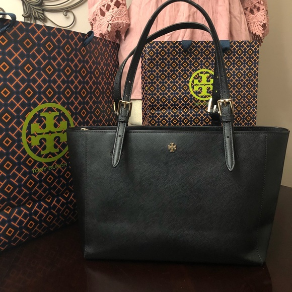 e3fdc06d4f93 Authentic Tory Burch York buckle small Tote. M 5a92229cb7f72ba6068fca5d